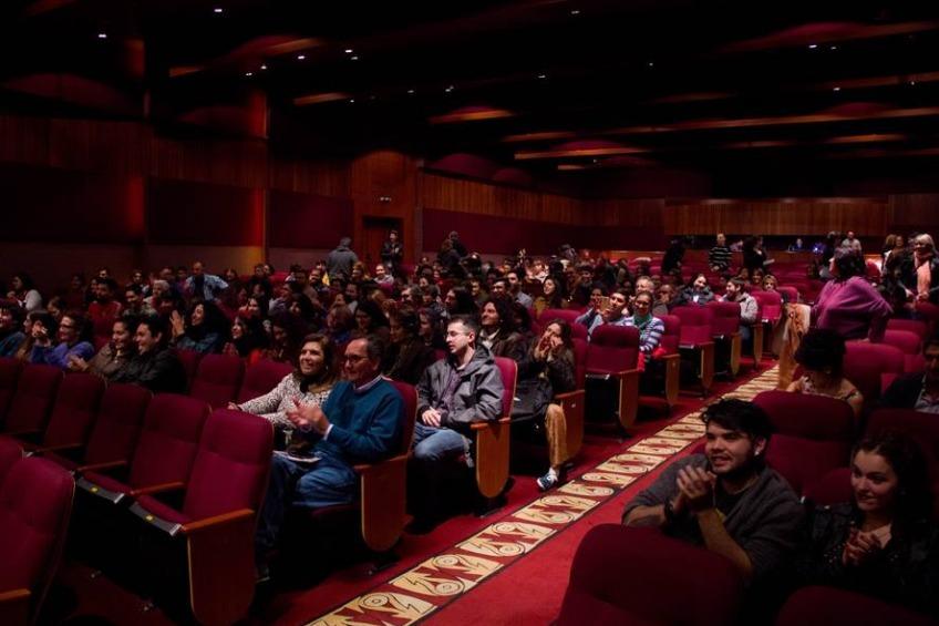"""El Teatro Víctor María Cáceres de La Rioja antes que comience la función del """"Yenn""""."""